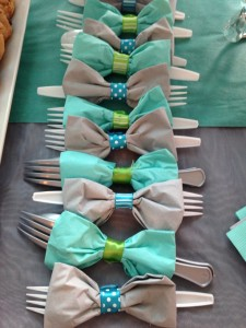 Super cute napkin/silverware idea - easy, too!