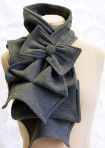 How cute is this scarf?!