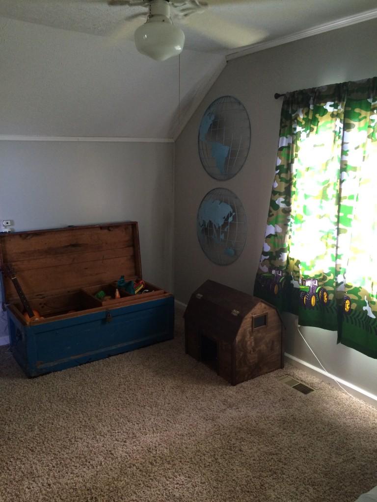 Wryder's room after